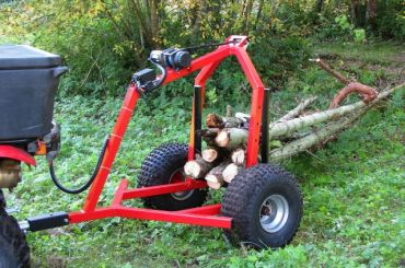ATV transporte de troncos con equipo de cabestrante eléctrico